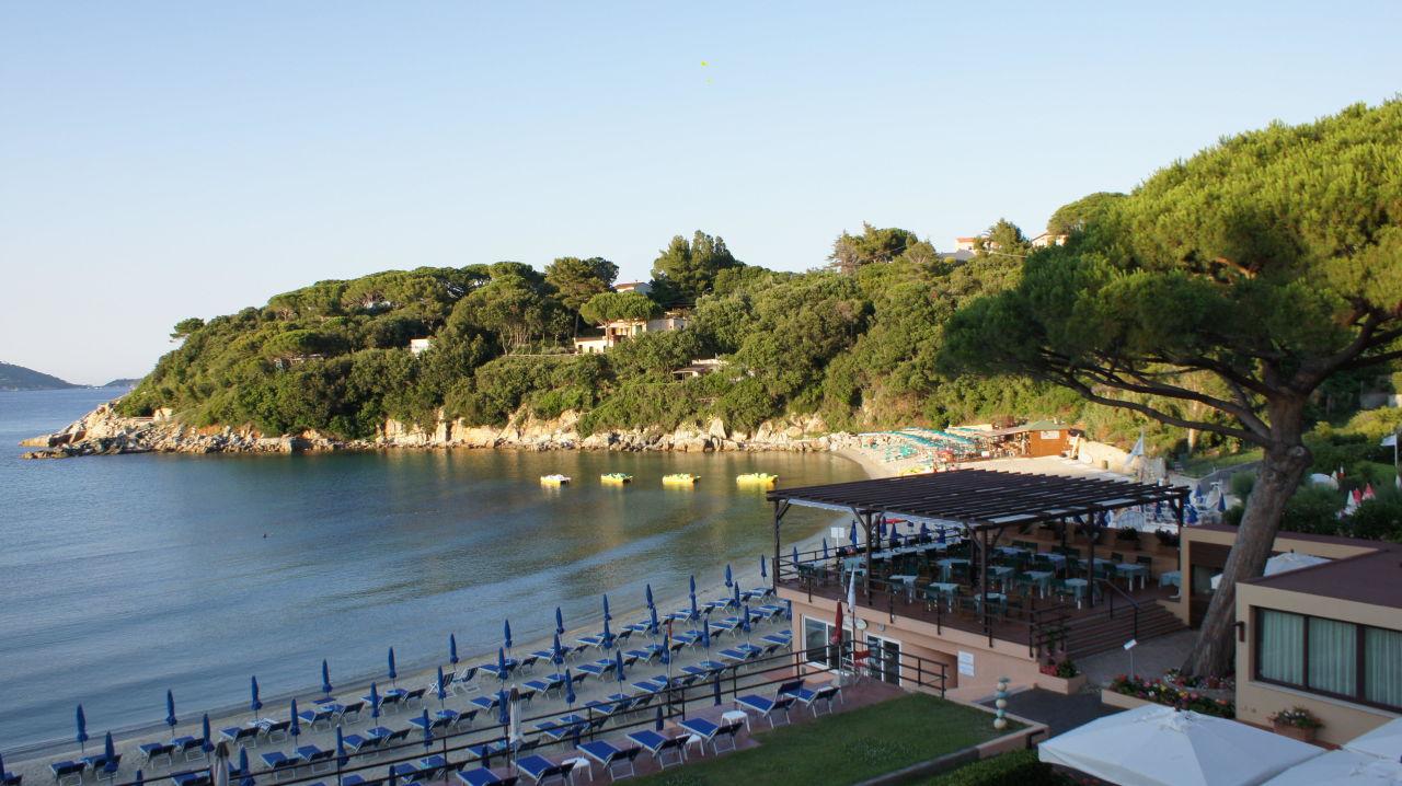 Hotel Strand und Spartaia Bucht in Abendstimmung Hotel Desiree