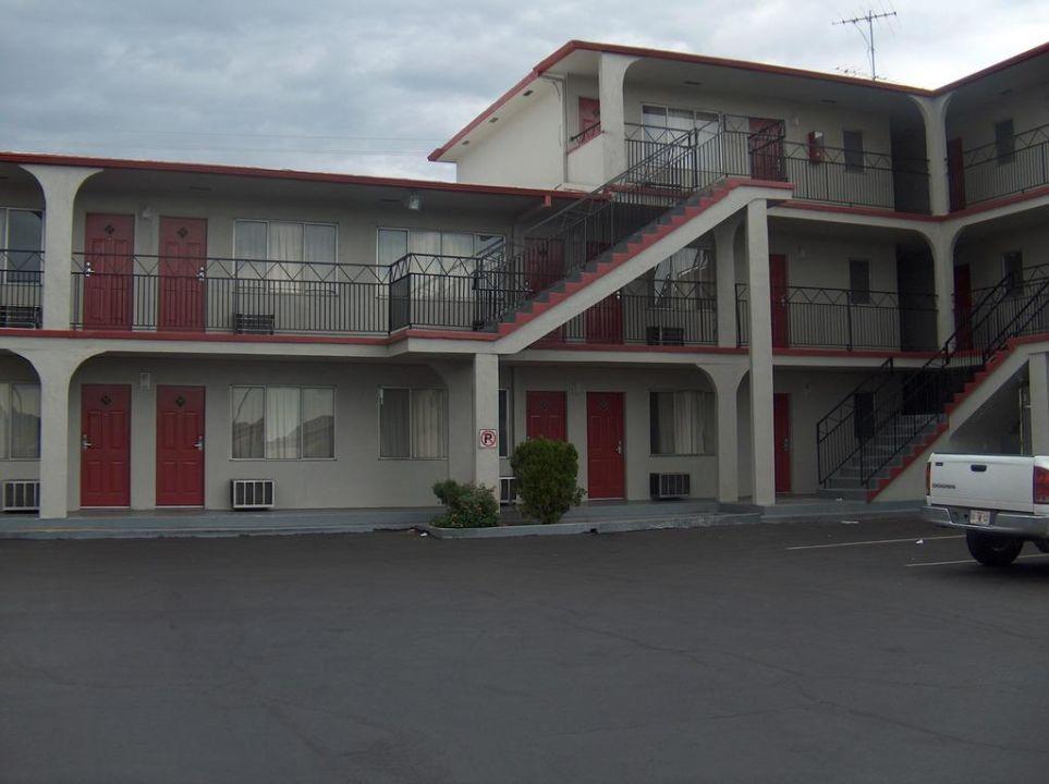 Facciata del cortile Hotel Econo Lodge Tuscon