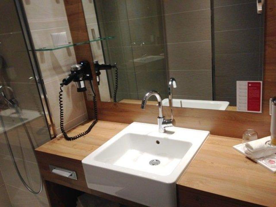 Moderner Waschtisch moderner waschtisch h4 hotel münchen messe münchen holidaycheck