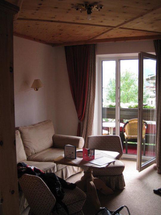 Wohnzimmer in der Bio-Landhaussuite Hotel Haidachhof