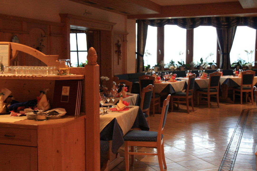 "speisesaal"" bärenhotel in valdaora / olang • holidaycheck, Esstisch ideennn"