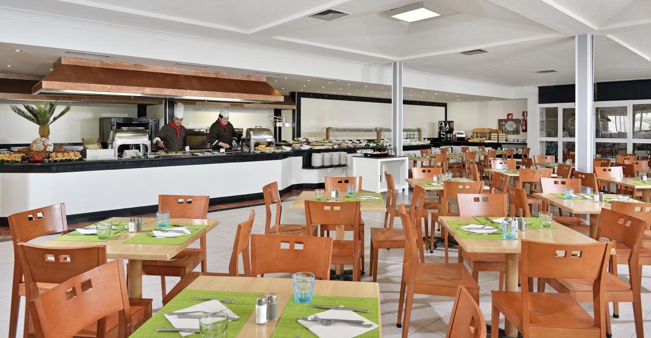 Restaurant Sol Cala Antena by Melia