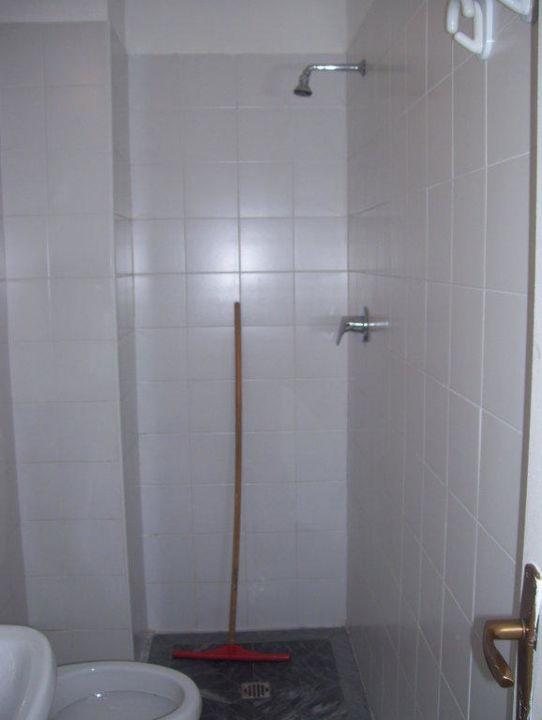 Die Dusche Hotel Torre Marinier