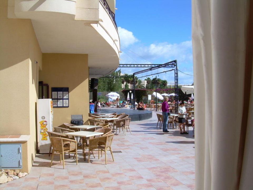 Außenterrasse Orient Beach allsun Hotel Orient Beach