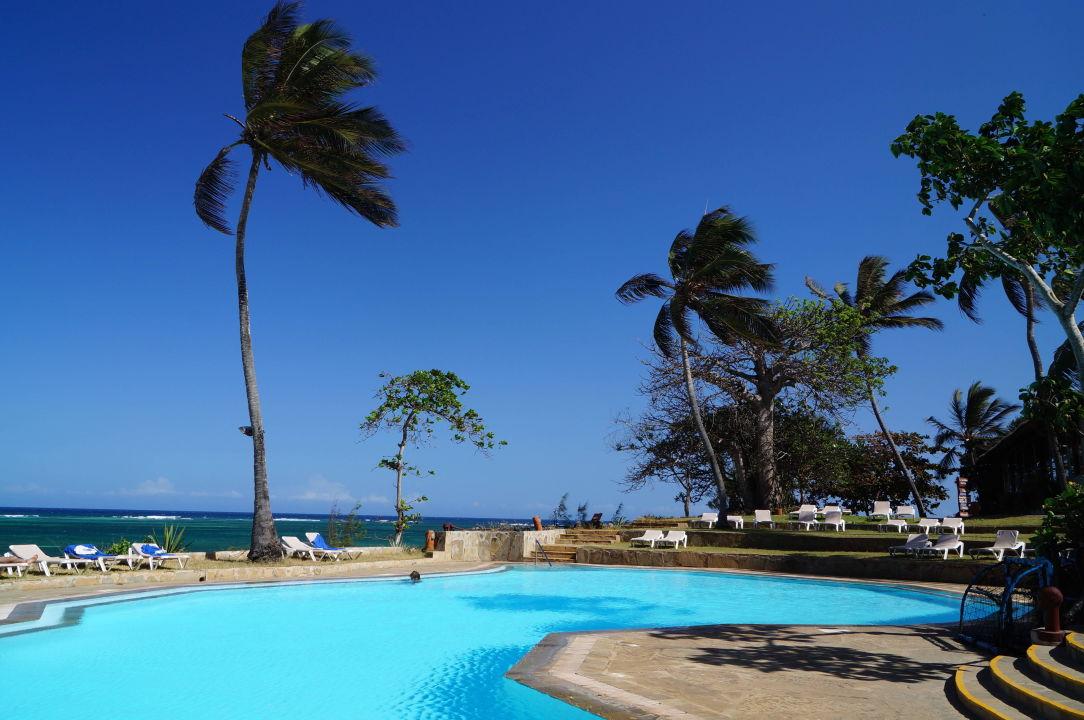 Baobab Hotel Diani Beach