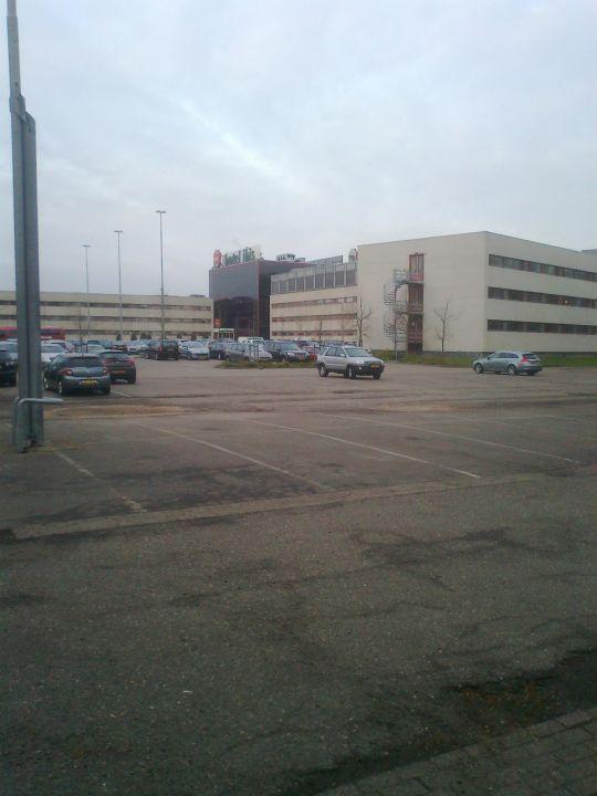 Vom Parkplatz Aus Hinten Hotel Ibis Amsterdam Airport
