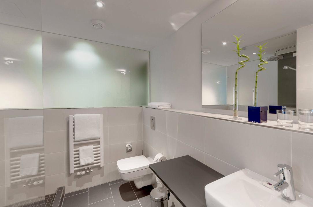 Badezimmer tryp premium room tryp berlin mitte hotel in for Badezimmer berlin