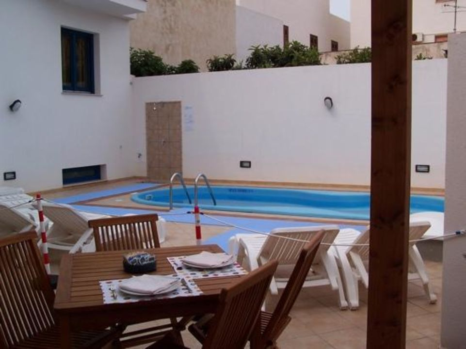 Zona piscina Hotel Altamarea
