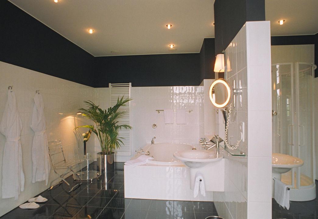 badezimmer luxus von rhemen suite hotel schlo. Black Bedroom Furniture Sets. Home Design Ideas