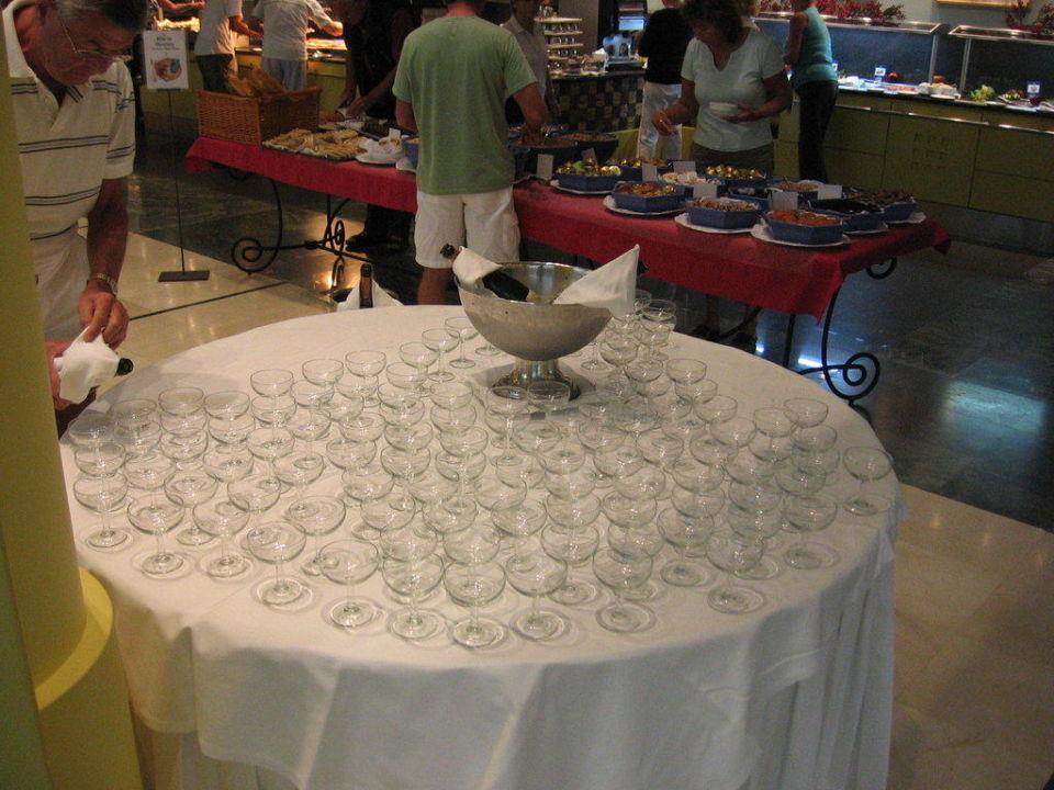 Schampus jeden Morgen zum Frühstück Lopesan Costa Meloneras Resort, Spa & Casino