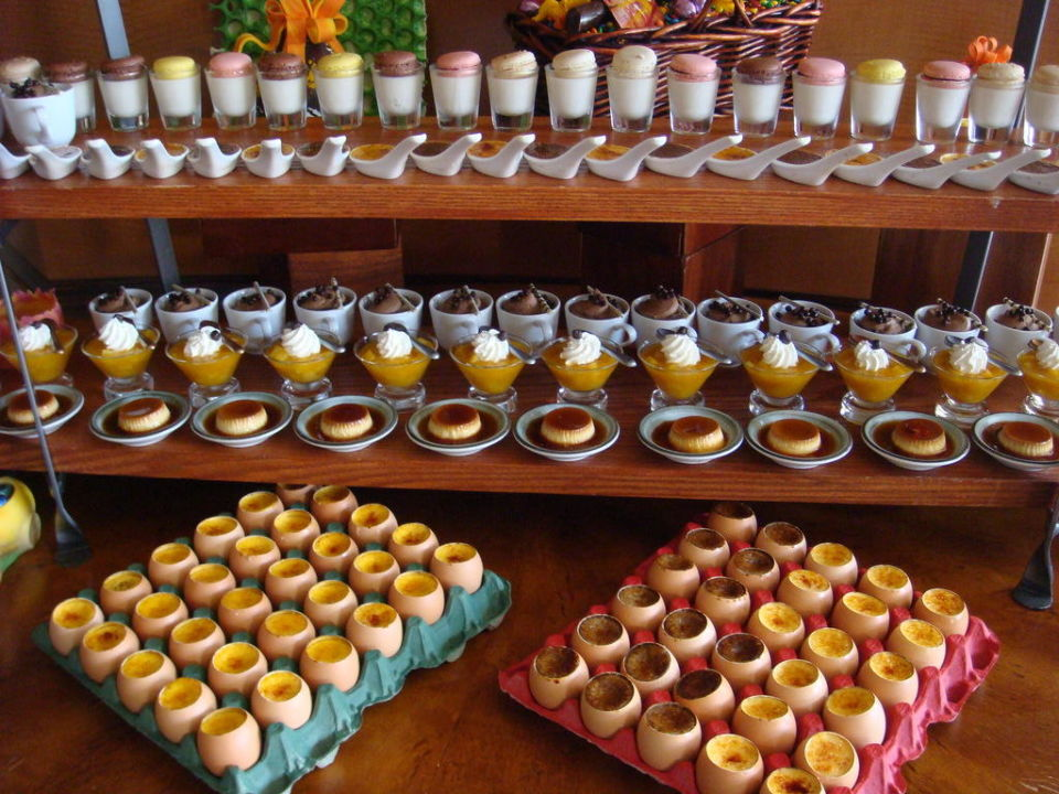0sterbrunch - Crème Brulée in Eierschalen The Wagner Hotel