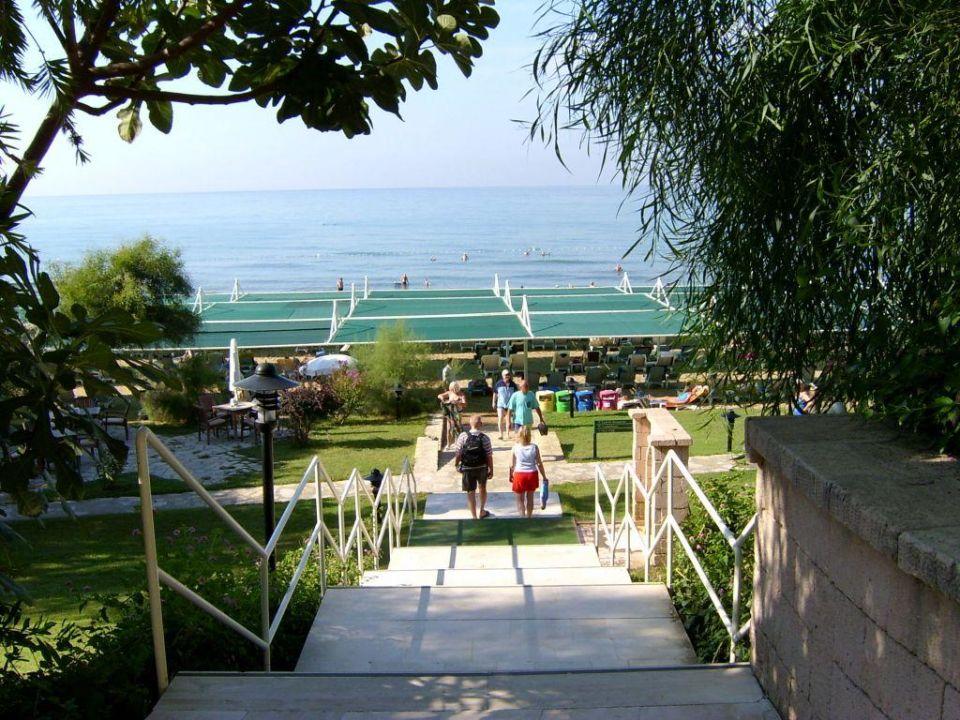 Treppe zum Strand Hotel Melas Resort