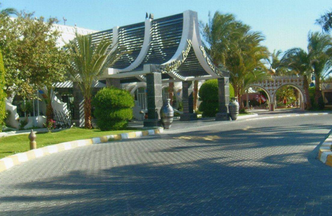 Einfach supi schön der Eingangsbereich Aladdin Beach Resort