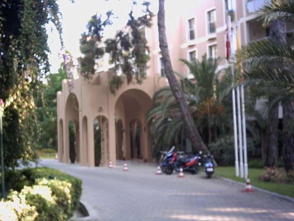 Ansicht auf Haupteingang Hotel Turquoise Turquoise Hotel