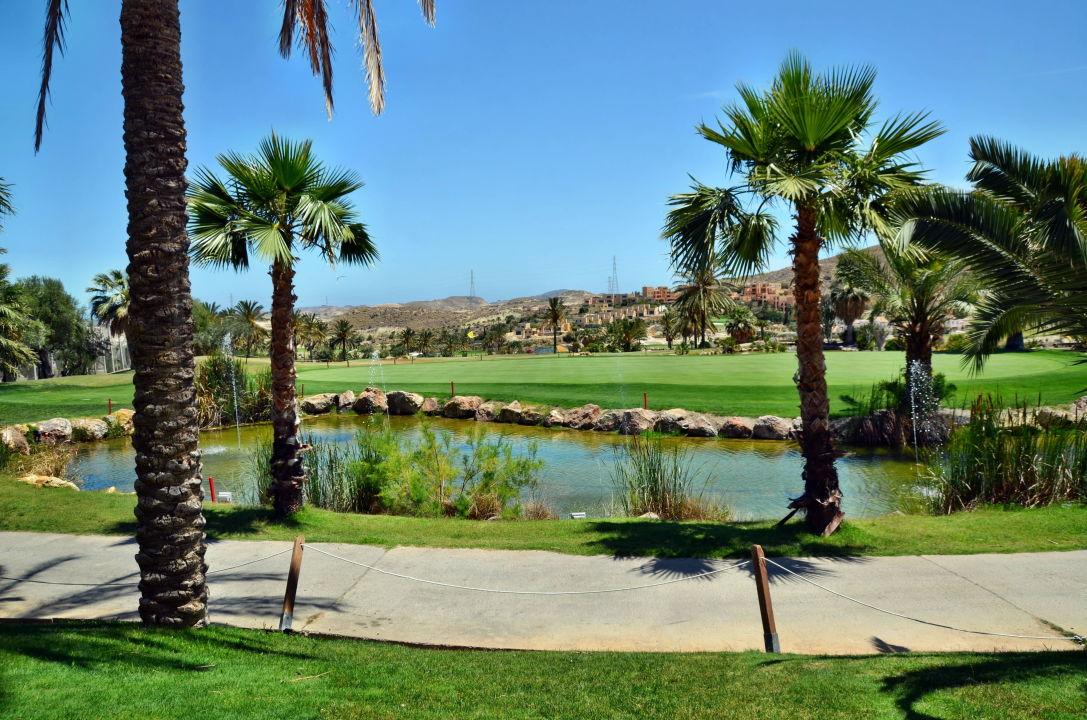 Das 18. Loch von der Hotelterrasse aus Hotel Valle del Este Golf Spa
