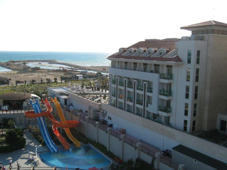 Rechts daneben gleich das nächste Hotel Aydinbey Kings Palace & Spa