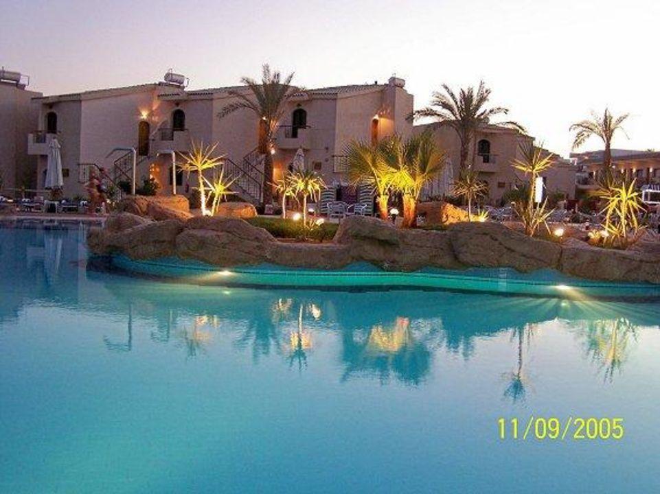 Hauptpool Island View Resort