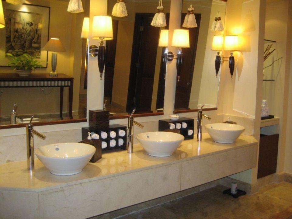 WC beim Frühstücksraum The Westin Resort Nusa Dua, Bali