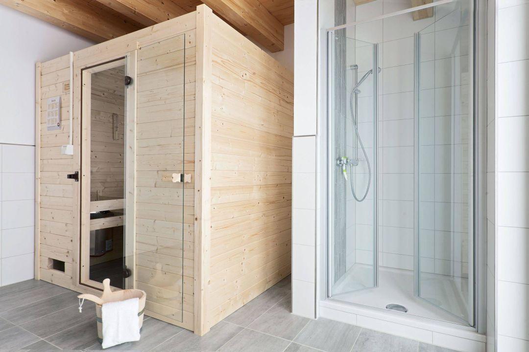 Badezimmer mit Sauna\