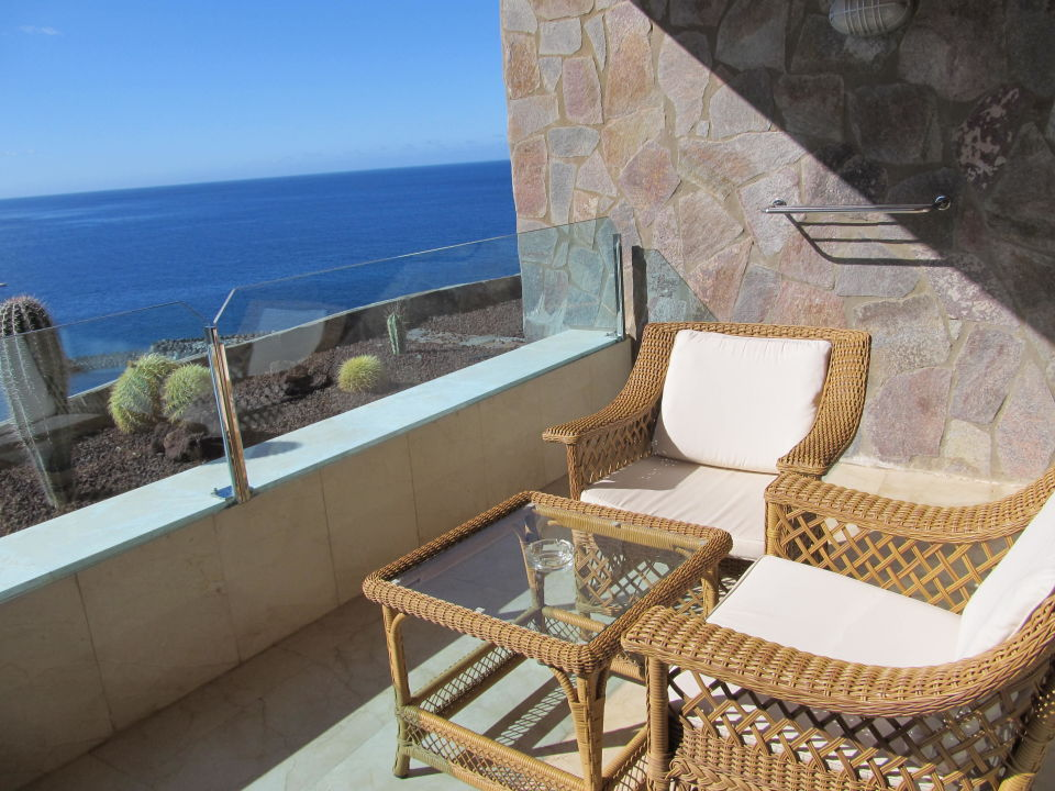 bild sch ner balkon zu gloria palace royal hotel spa. Black Bedroom Furniture Sets. Home Design Ideas