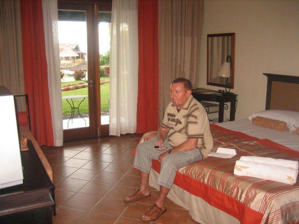 zimmer mit ausblick veranda paul virginie hotel spa adults only grand gaube. Black Bedroom Furniture Sets. Home Design Ideas