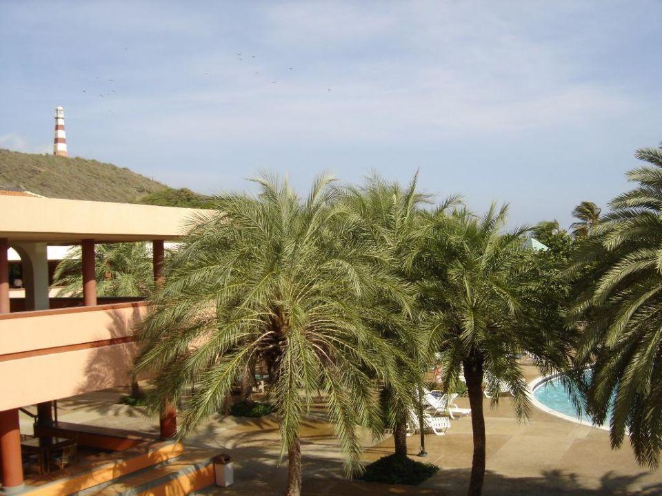 Blick zum Leuchturm Dunes Hotel & Beach Resort