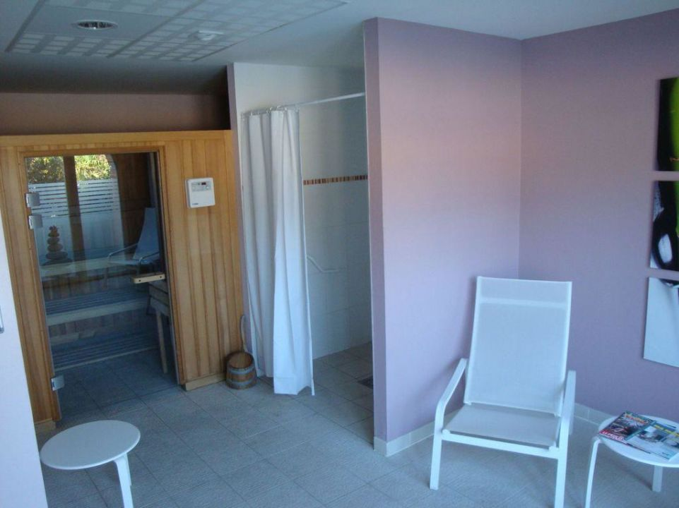 Sauna im Hauptgebäude Hotel My Suitevillage Colomiers