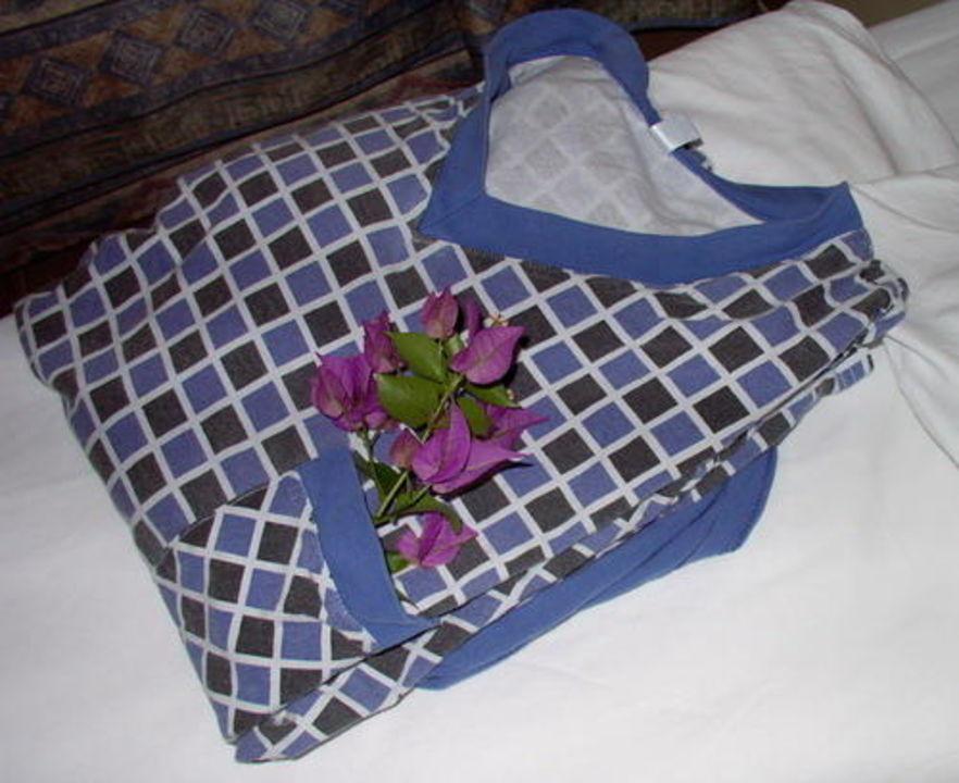Ein frisch gemachtes Bett - mit Schlafanzug! Dedeman Antalya Hotel & Park Convention Center  (geschlossen)
