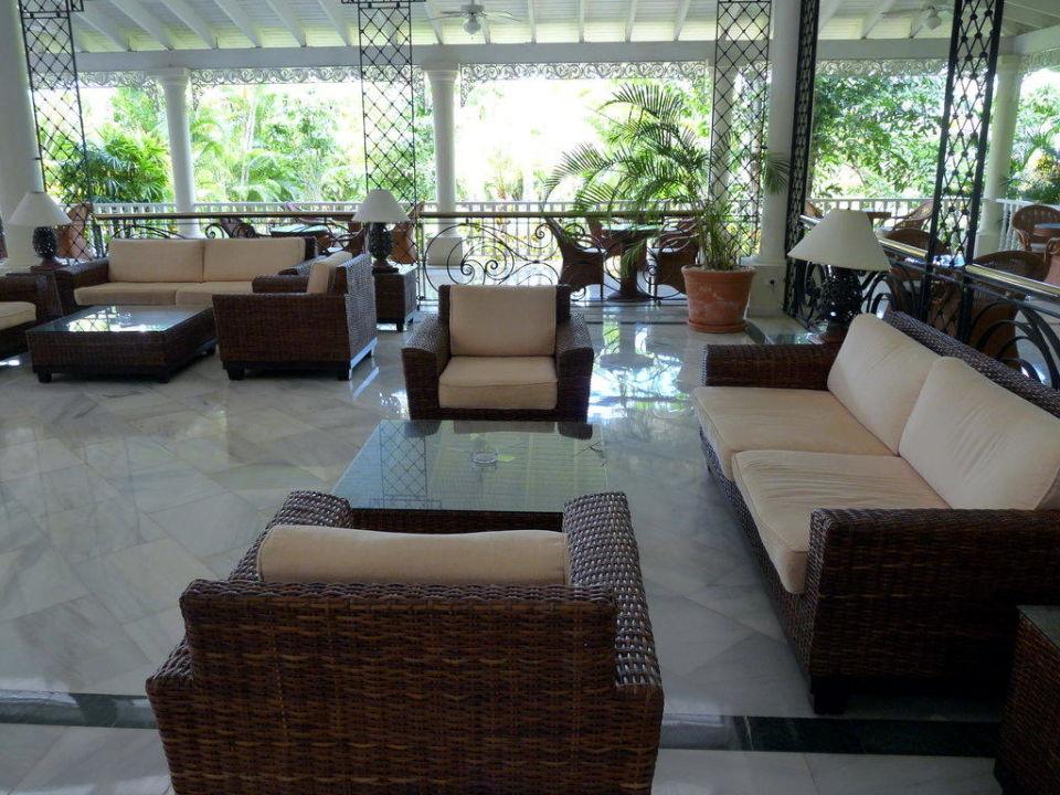 Sitzgruppen in der Lobby Grand Bahia Principe El Portillo