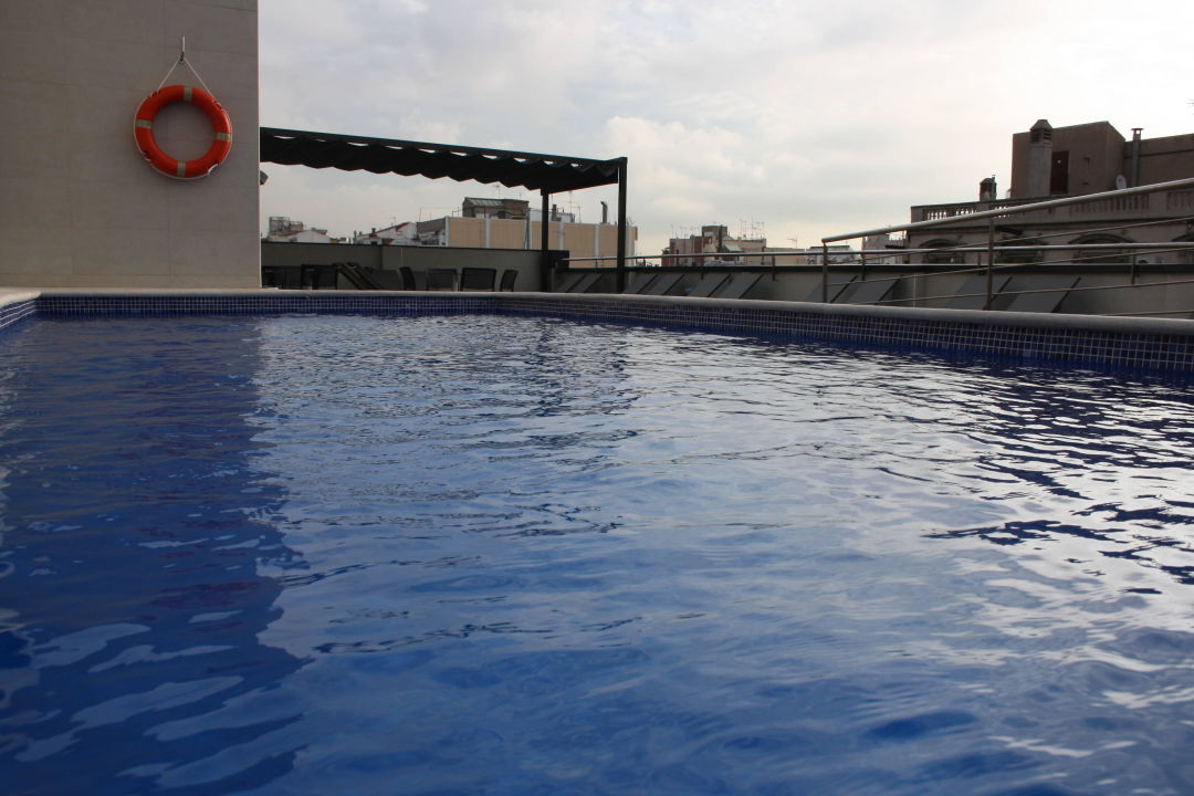 Outdoor swimmingpool Sunotel Club Central