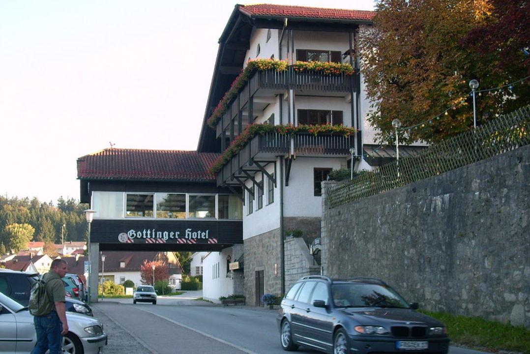Speisesaal über der Straße Hotel Gottinger