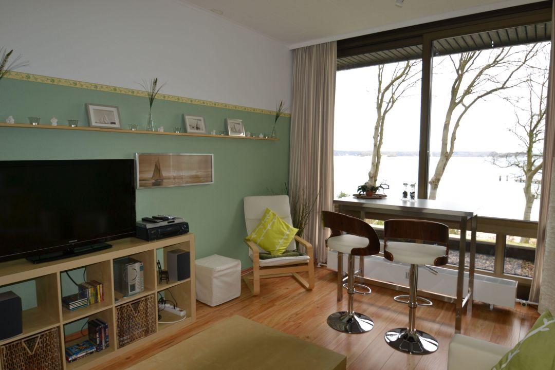 Bild hochwertige pantryk che zu apartment fjordblick in for Hochwertige einrichtung