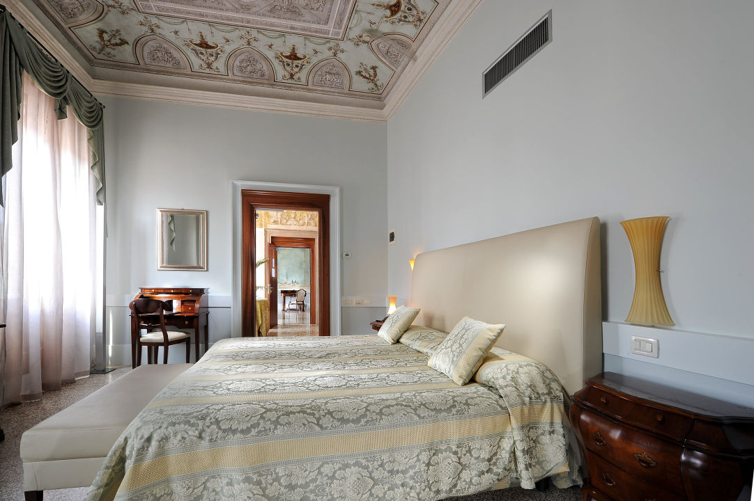 Deluxe: private balconies, frescoes, 46inch HDLed Hotel Palazzo Vitturi