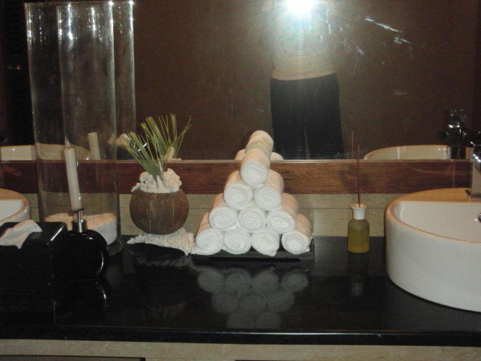 Waschraum in der Bar Robinson Club Maldives - Adults Only