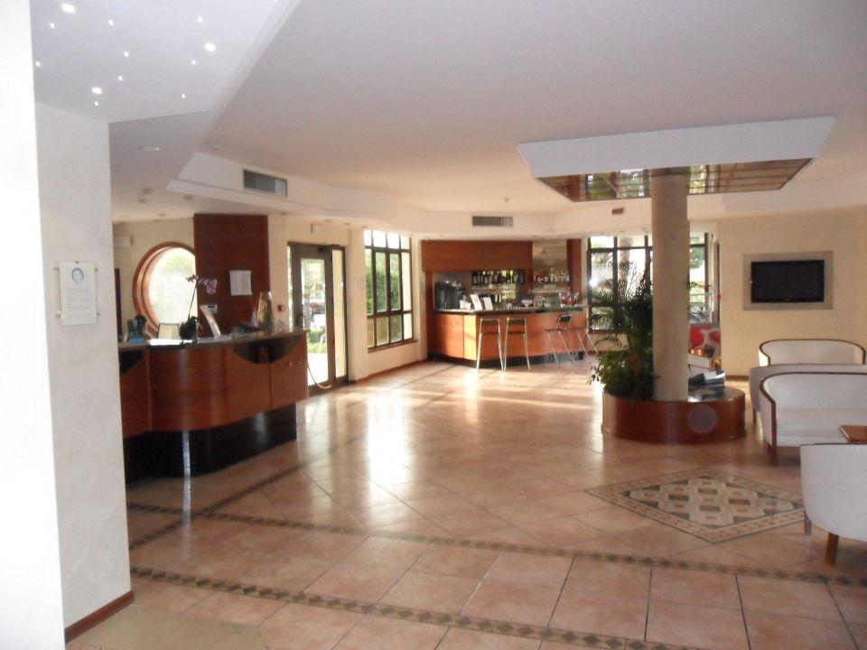 Lobby & Eingang Hotel Porto Azzurro