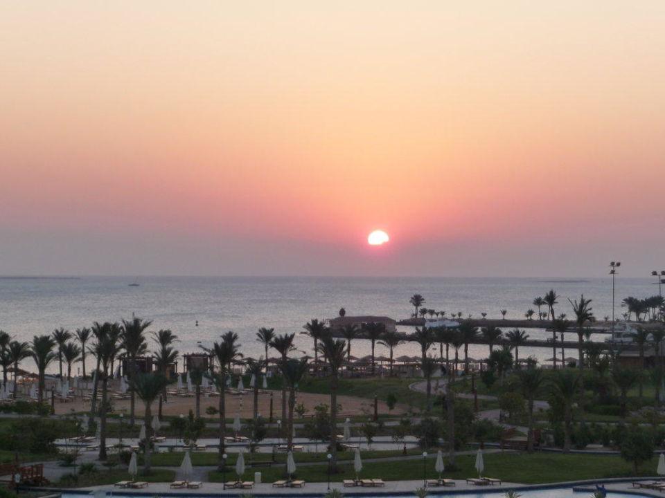 Sonnenaufgang Steigenberger ALDAU Beach Hotel