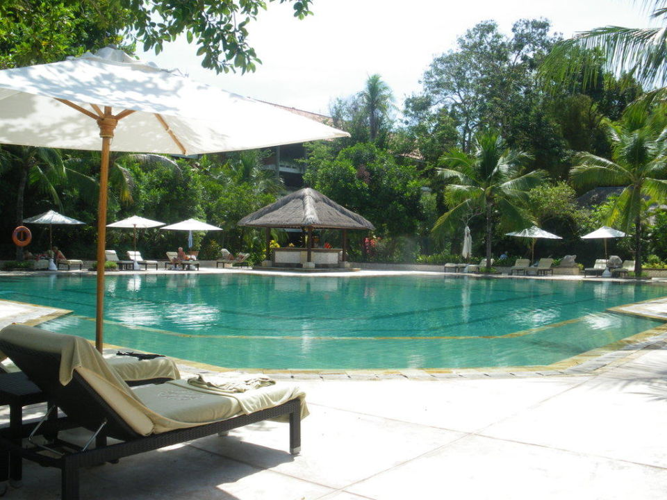Pool der Villas Melia Bali