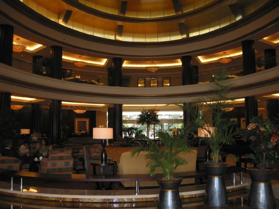 Lobby Hotel Beach Rotana