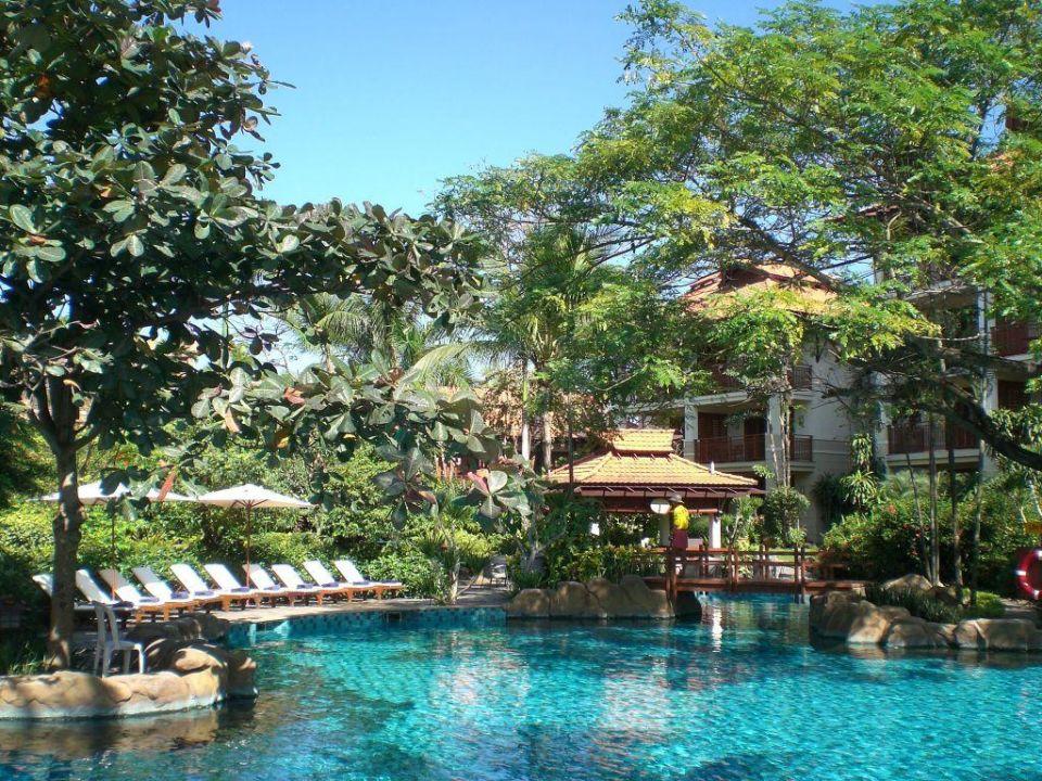 Pool In Der Gartenanlage Furama Resort Danang Hotel The Furama