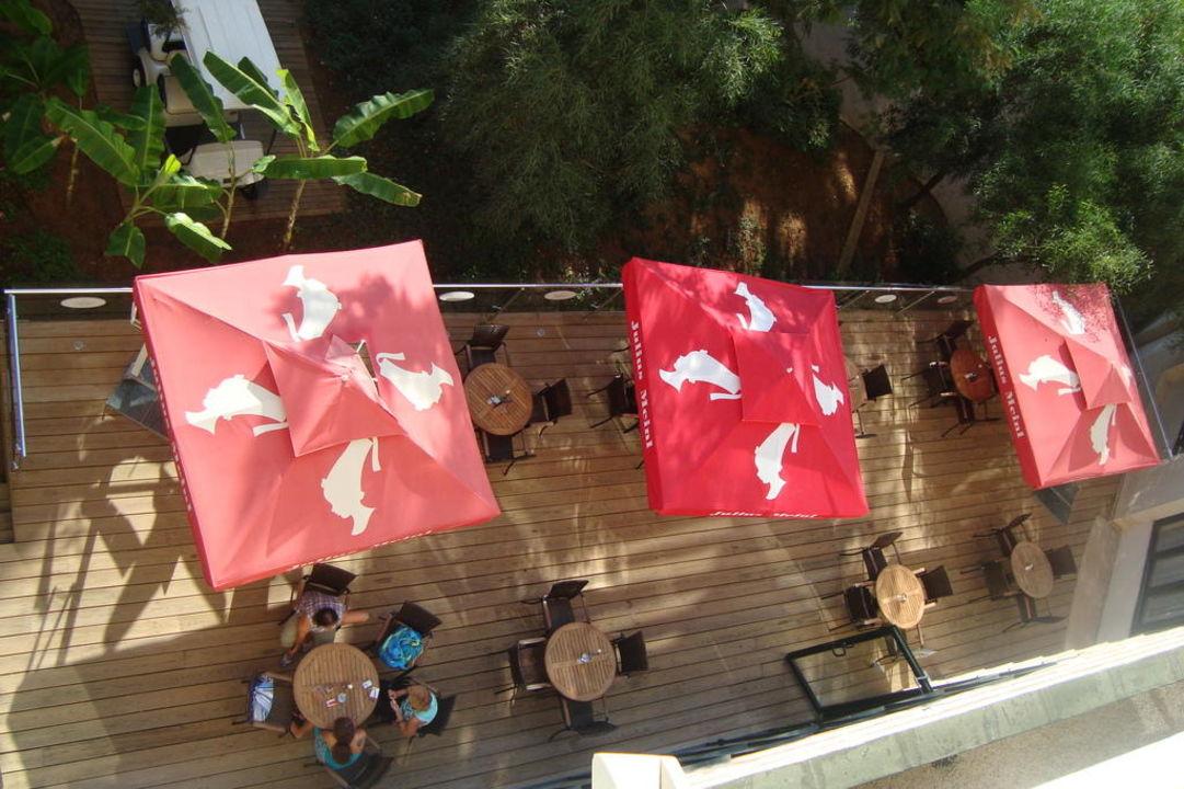 Sissi Café Aussenbereich von oben Blue Garden Hotel