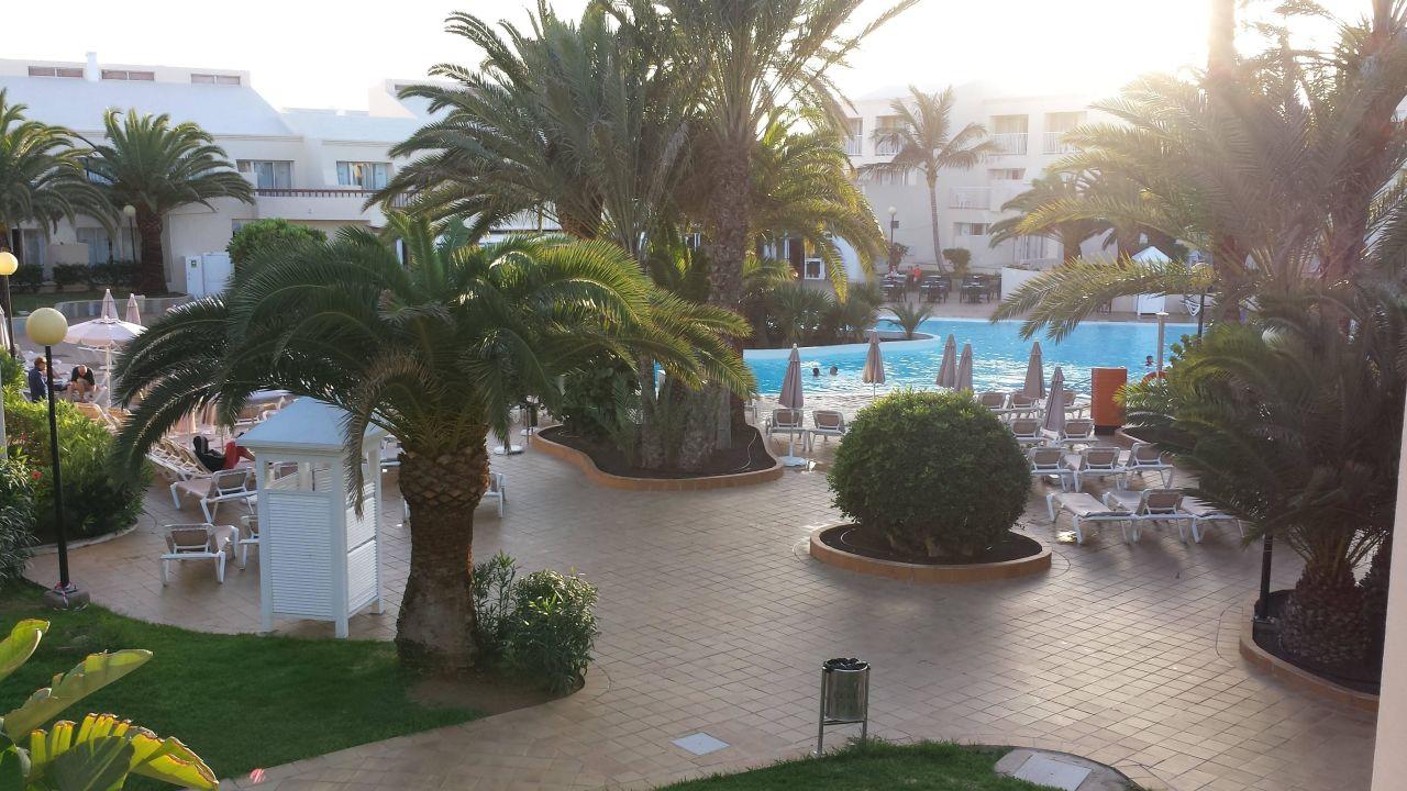 Beheizter pool hotel riu oliva beach village for Riu oliva beach village