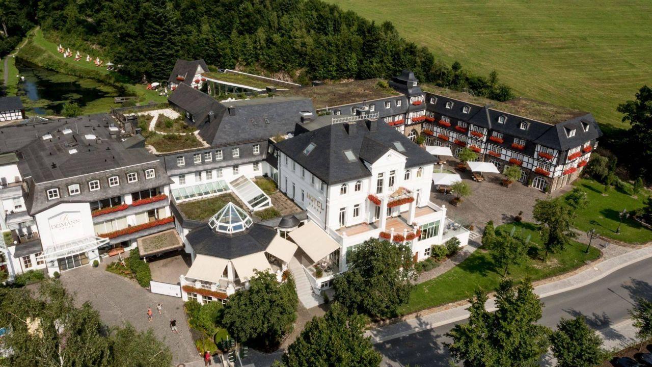 hotelanlage romantik wellnesshotel deimann romantik wellnesshotel deimann schmallenberg. Black Bedroom Furniture Sets. Home Design Ideas