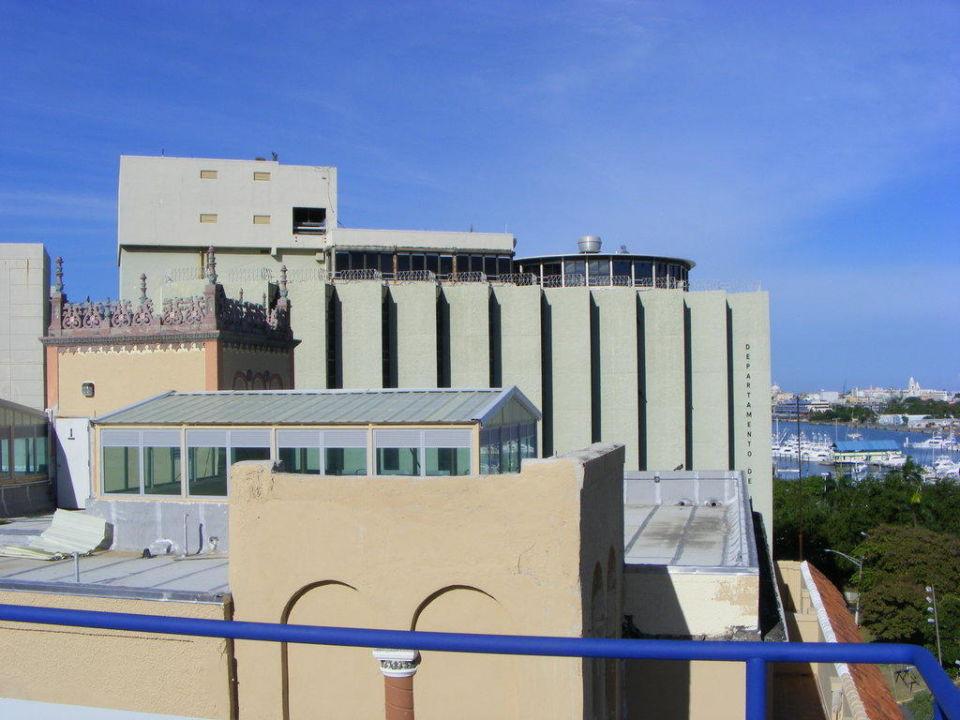 Von der Dachterrasse auf das Justizministerium Hotel Miramar
