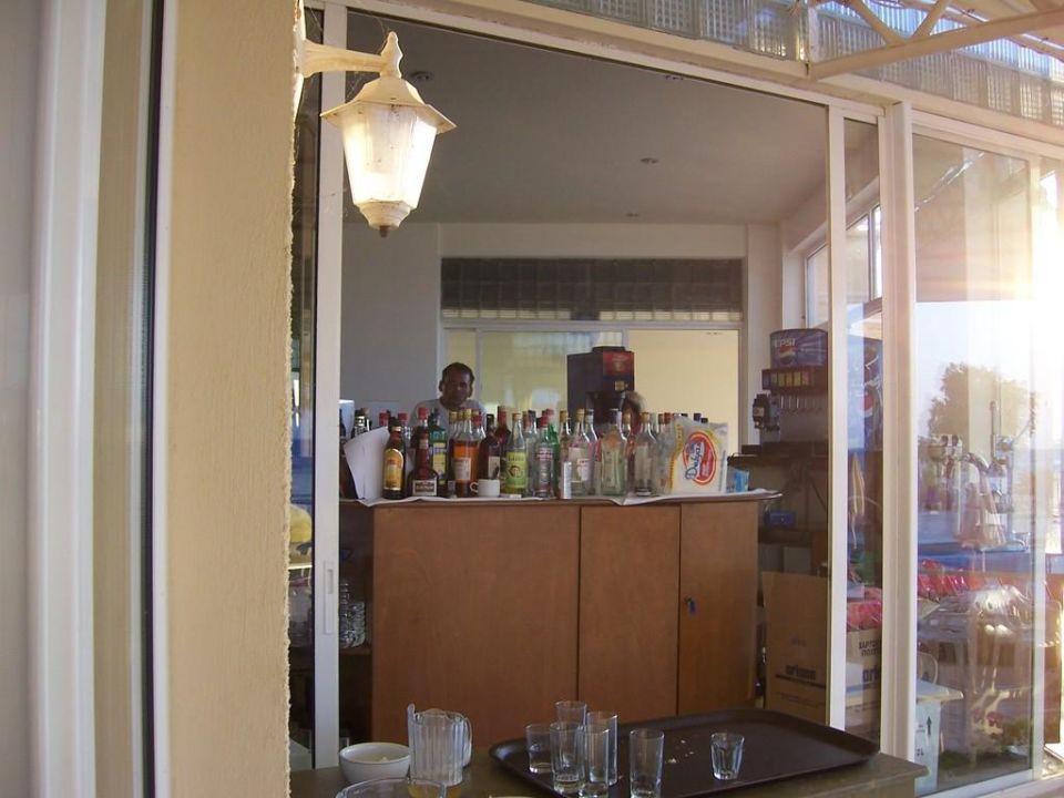 Bar von Terrasse aus Cretan Filoxenia Beach Hotel  (geschlossen)