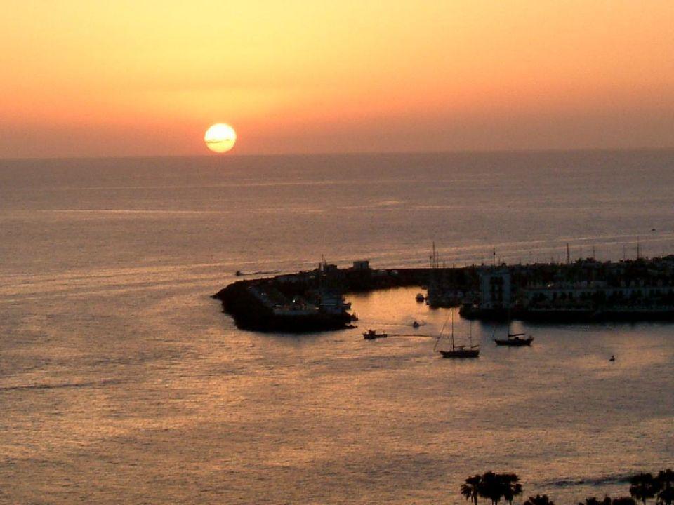 Sonnenuntergang vom Hotelzimmer aus Mogan Princess