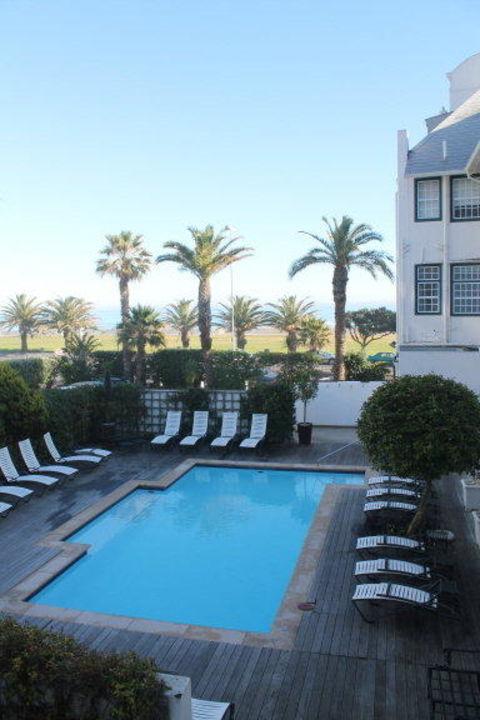 Kleiner Pool Hotel Winchester Mansions