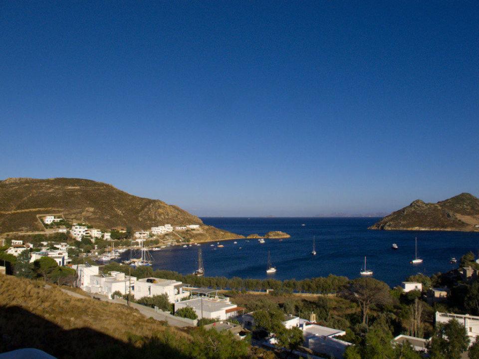 Aussicht vom Zimmer auf die Bucht von Grikos Hotel Golden Sun
