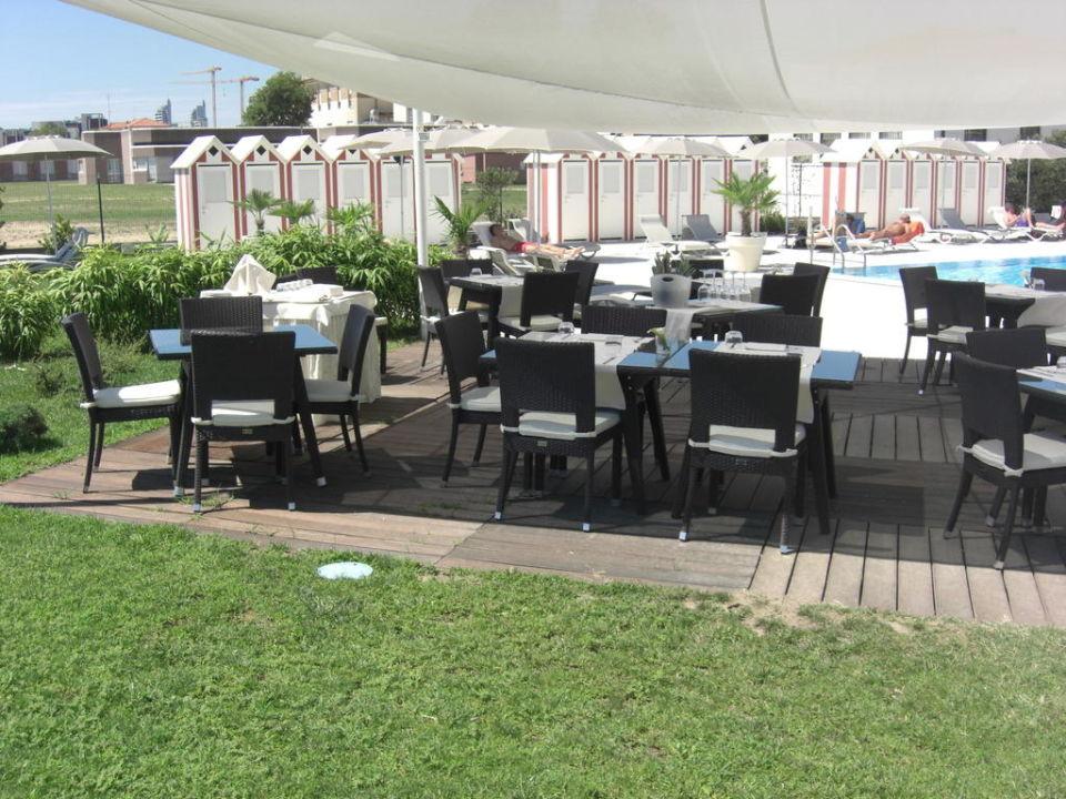 pavillon neben dem pool gut f r feiern geeignet hotel adriatic palace jesolo. Black Bedroom Furniture Sets. Home Design Ideas