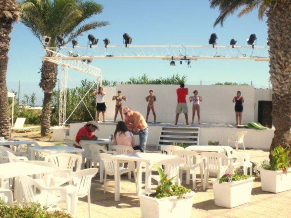 Cours de Salsa Hotel El Mouradi Skanes Beach