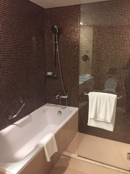 Zimmer Cosmopolitan Hotel Dubai